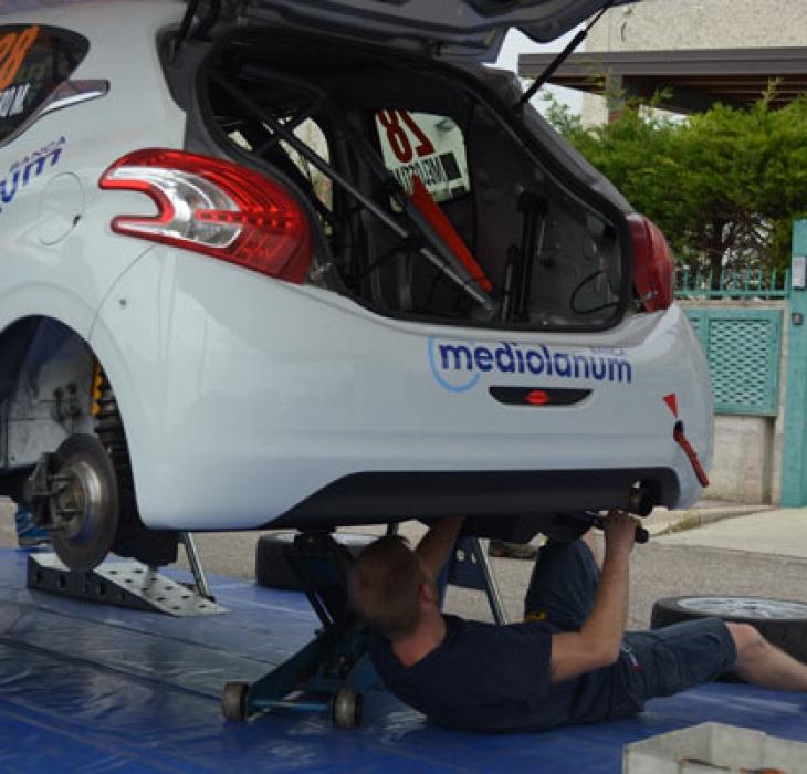 Preparazione, centro di montaggio kit Renault, Peugeot, ecc.